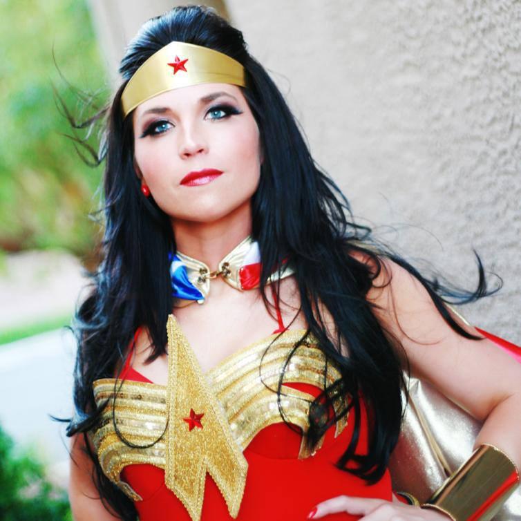 Cosplay Corner Viva Wonder Woman The United States Of Nerd