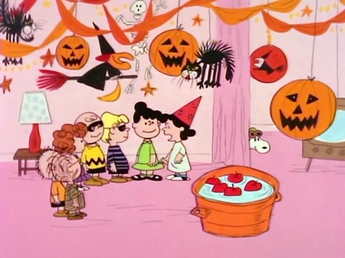 Peanuts-Halloween-Party-Wallpaper-500x375